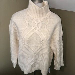 H&M Women's Turtleneck Ivory Colored Sweater/SZ M